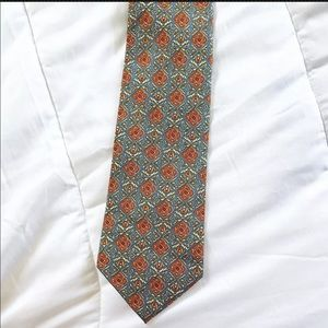 Burberrys Of London mens Necktie Tie 100% Silk